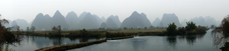 Paysage de la rivière Yu Long à Yangshuo, Guilin, province du Guanxi, Chine