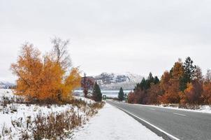 route d'hiver. Fairlie-Tekapo Road, Canterbury, Nouvelle-Zélande