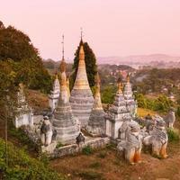 ancien temple bouddhiste, pindaya, birmanie, myanmar.