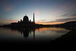 silhouette d'une mosquée photo