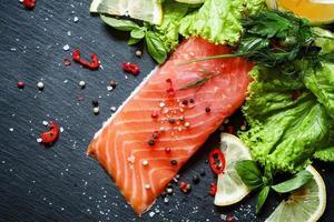 délicieux morceau de filet de saumon