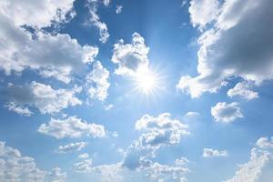 ciel bleu et nuages