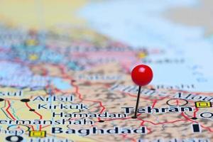 hamadan épinglée sur une carte de l'asie photo