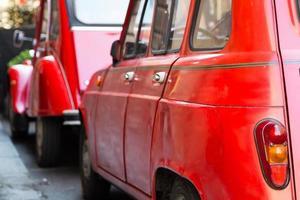 voitures anciennes rouges photo