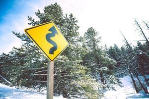 panneau routier courbe