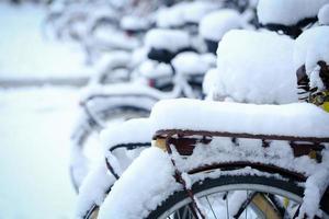 vélo avec de la neige