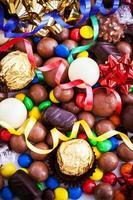 assortiment de différents bonbons au chocolat photo