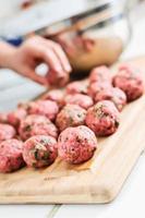 faire des boulettes de viande