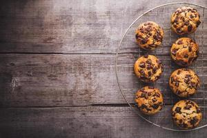 muffins sur une trappe de refroidissement photo