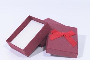 coffrets cadeaux sur fond blanc