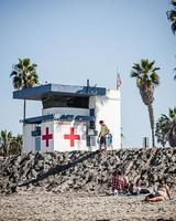 Des personnes non identifiées à la plage de San Diego, USA