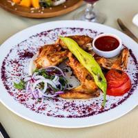 poulet épicé et oignons