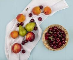 vue de dessus du motif de fruits