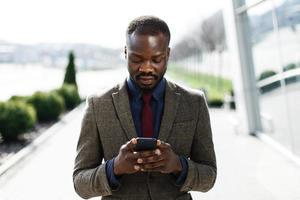 élégant homme d'affaires noir afro-américain photo