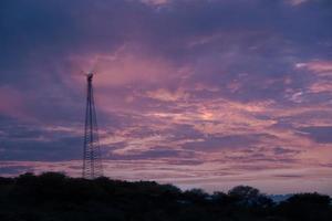 coucher de soleil coloré et moulin à vent