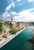 paysage urbain petit canal