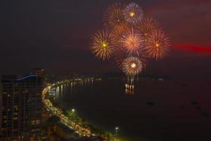 festival international de feux d'artifice de pattaya photo