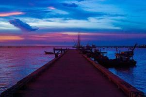 paysage marin avant le coucher du soleil @ krabi