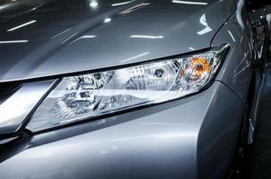 phares de voitures modernes