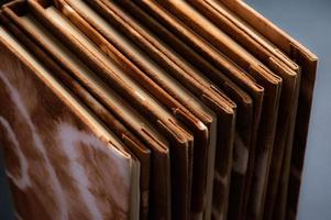 cahiers teints naturels à la main