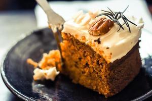 gâteau aux carottes aux noix photo