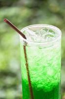 boisson verte glacée