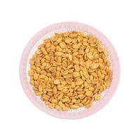 Vue de dessus des cacahuètes masala sur une assiette photo