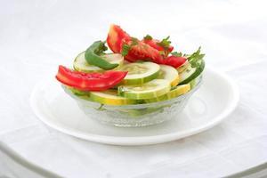 salade de légumes verts frais photo
