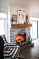 cheminée confortable dans le salon photo