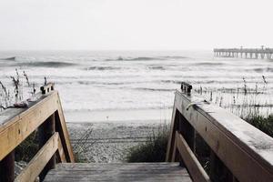 escaliers vers la plage photo