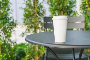 tasse à café avec espace copie sur une table