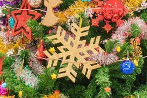 gros plan, de, a, arbre noël, à, ornements photo