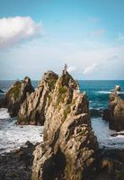 formations rocheuses dans la mer
