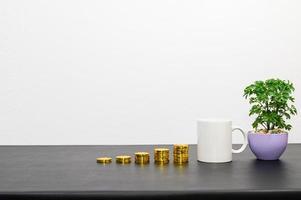 concept de croissance financière avec des pièces