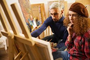 peinture de deux artistes photo