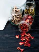 pots de fruits secs