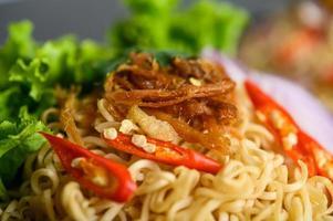 nouilles thaïes fraîches photo
