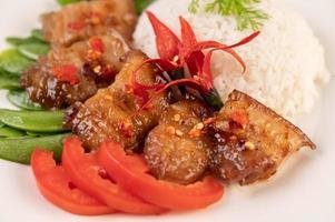 poitrine de porc sur riz vapeur