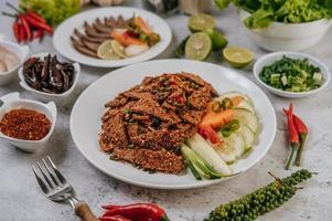 salade de foie de porc avec accompagnements