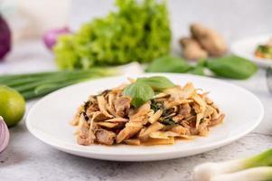 curry de pousses de bambou au porc photo