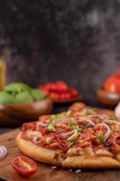 pizza maison avec des ingrédients
