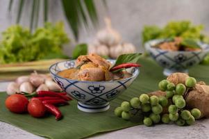 poulet au curry avec soupe de courge à la cire