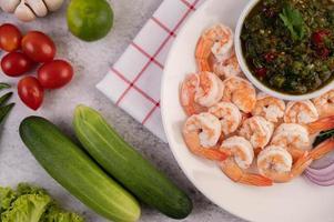 crevettes crevettes et sauce photo