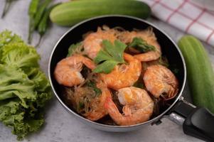 crevettes fraîches au four photo