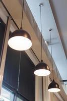 lampes suspendues au plafond photo