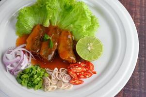 sardines à la sauce tomate et herbes photo
