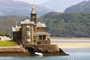 château au bord de l'eau photo