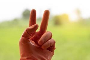 main faisant un signe de paix
