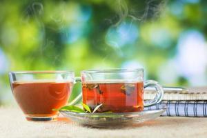 verre de thé chaud photo
