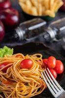 spaghetti aux tomates et laitue